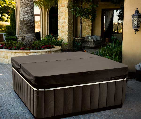 Niagara Hot Tub with cover | Caldera Spas available at the Recreational Warehouse Southwest Florida (Naples, Fort Myers and Port Charlotte Locations) Pool Warehouse
