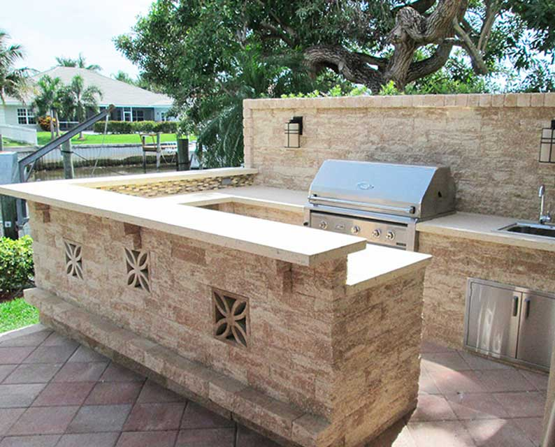 Custom Outdoor Kitchen setup from The Recreational Warehouse Southwest Florida's Leading Warehouse for Spas, Hot Tubs, Pool Heaters, Pool Supplies, Outdoor Kitchens and more!