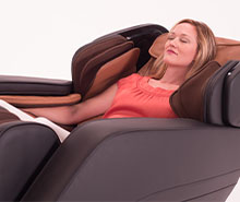 Full Body Massage Chairs- Women Reclining in The Summit ZA190 | The Recreational Warehouse